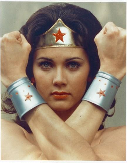 WONDER-WOMAN-1975-promo-wonder-woman-23490257-1555-1995.jpg